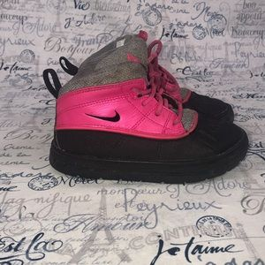 Little girls Nike Boots